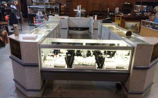 Jewelry/Other 8 Unit Display Case - $4000